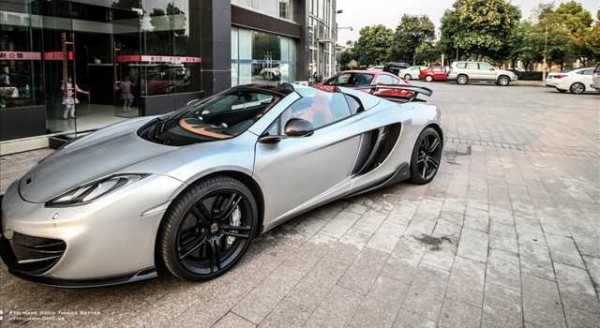 McLaren MP4-12C Spider, il tuning di DMC