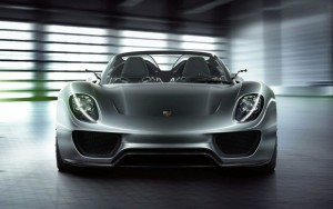 Porsche 918 Spyder, il mito dell'ibrida (VIDEO)