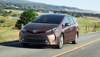 Toyota Prius v, arriva il restyling